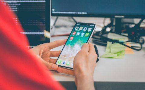 苹果越来越有钱,手机却越来越乏味,让我们重新谈谈设计