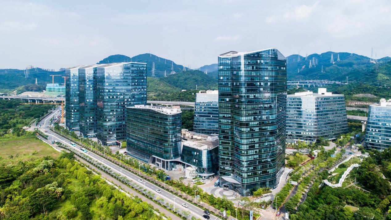 道通智能EVO II成为深圳8K宣介片指定航拍设备