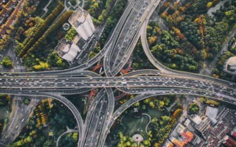 """城市停车场""""新基建""""驶入快车道,停车场云托管管理模式正当风口"""