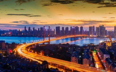 """武汉:""""大象转身"""",""""中国车都""""变""""中国车谷""""的二段跨越"""