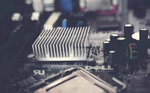 AMD攻,Intel守,红蓝大战趋于白热化