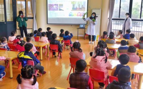 """爱贝迪STEM+走进闵行区幼儿园,与孩子们 """"拥抱春天,播种绿色"""""""