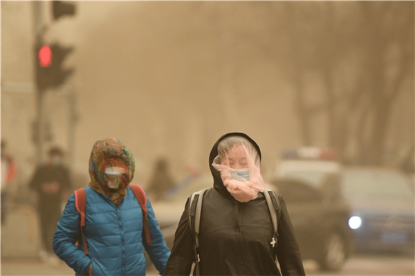 """沙尘来袭空气净化器销量攀升京东上线""""空净专场""""为你守护家人健康"""