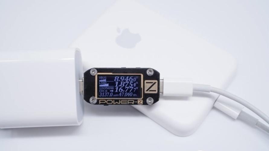 苹果原装MagSafe移动电源内部长啥样?拆了看看