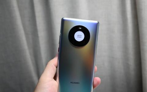 亲测!升级鸿蒙后的Mate40 Pro,和iPhone 12哪个体验更好?