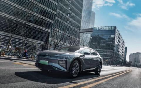 高合汽车HiPhi X后轮主动转向为用户提供灵活便捷过弯操控体验