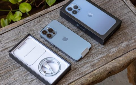 测评成绩出炉:华为Mate40和iPhone13,谁的5G更强?
